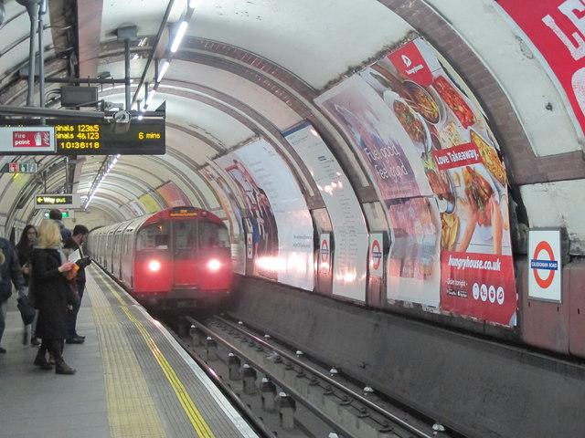 Caledonian Road tube station - southbound platform