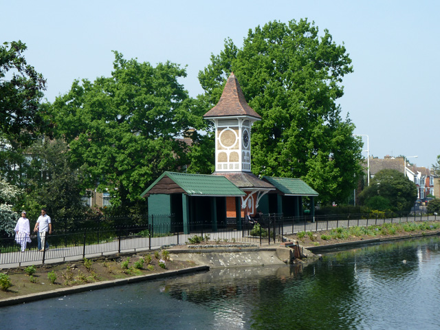 Clock and shelters, Valentines Park