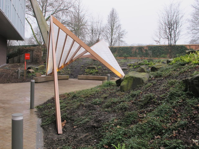 """""""Tent in the park"""" pavilion by Design Museum"""
