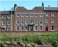 TF4509 : The Queen's Hotel - Public Houses, Inns and Taverns of Wisbech by Richard Humphrey