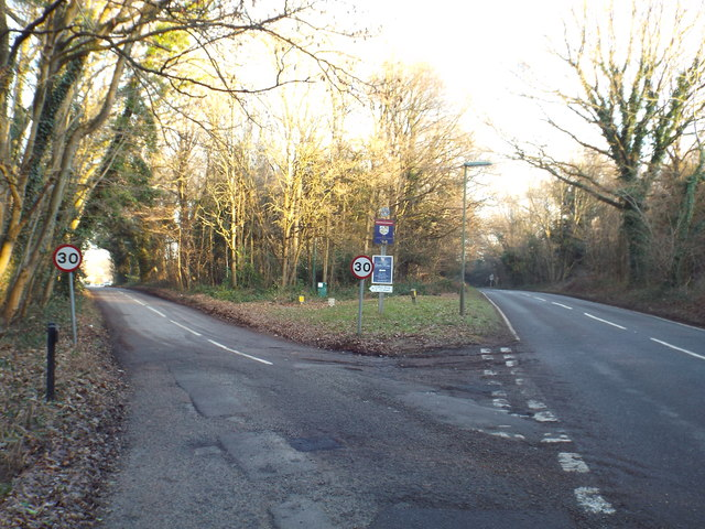 Road junction at Limpsfield Chart