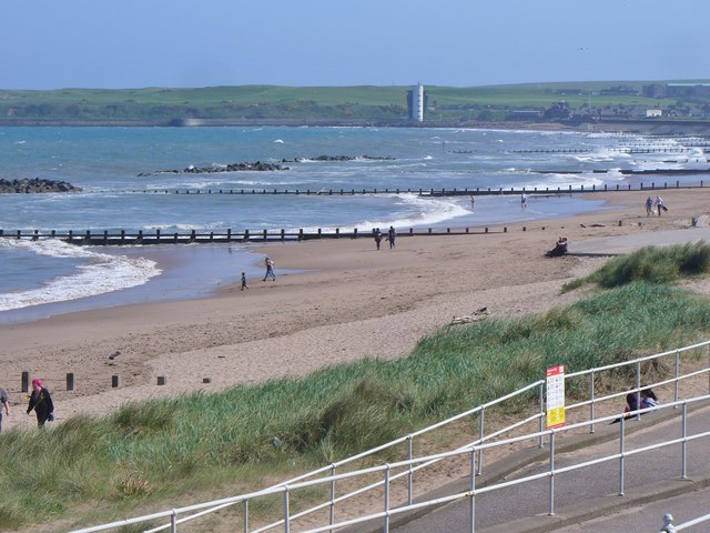 Aberdeen Beach © Colin Smith cc-by-sa/2.0 :: Geograph Britain and Ireland