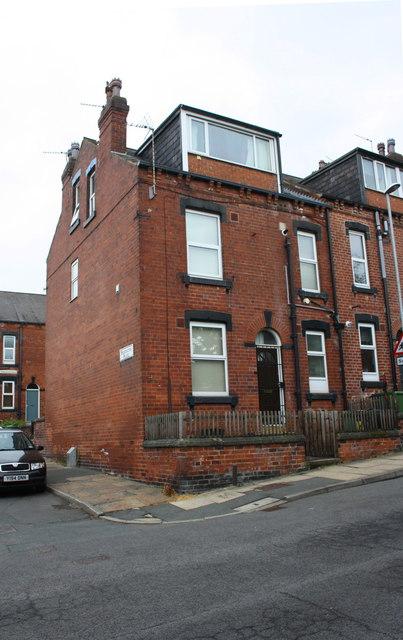 #7 Pennington Street at Pennington Place junction