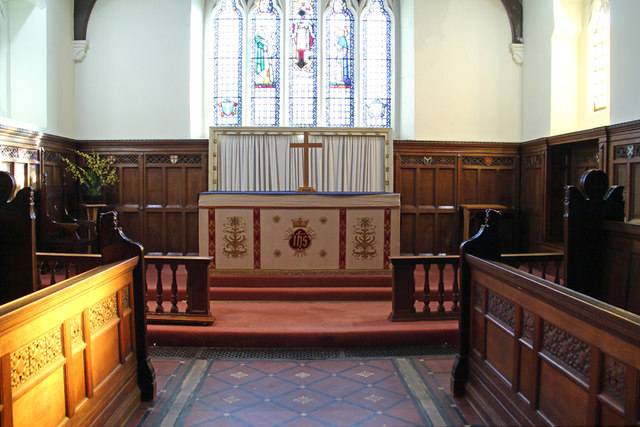 Holy Trinity, Upper Tooting - Sanctuary