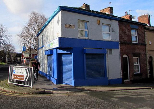 Shuttered blue corner of Runcorn