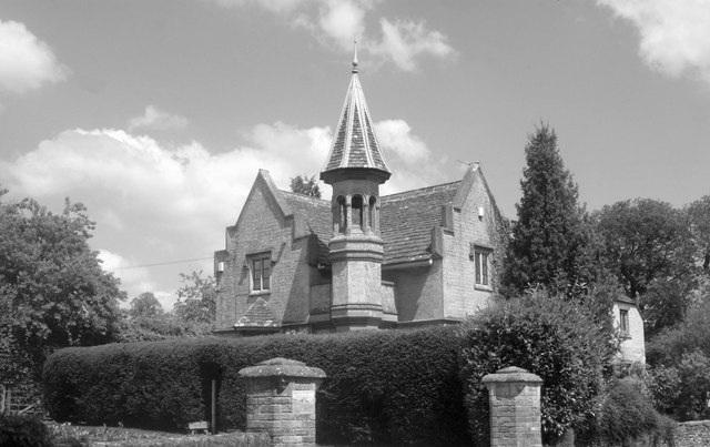 Malmesbury Lodge, The Street, Grittleton, Wiltshire 2013