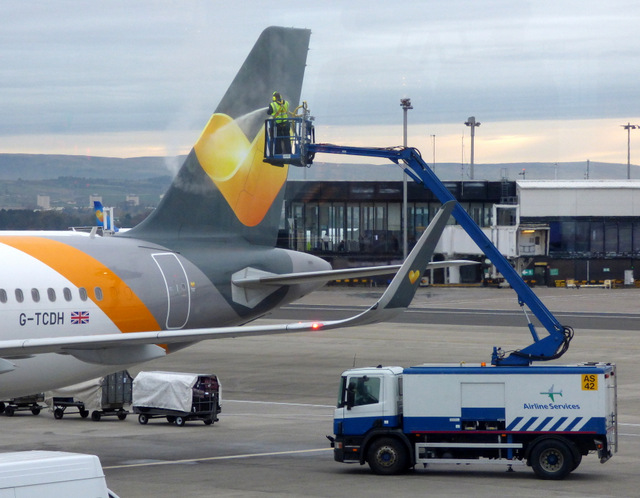 De-icing at Glasgow Airport