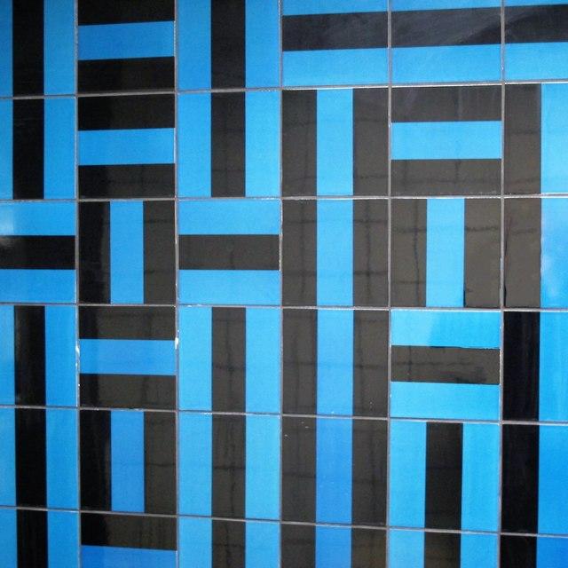 Victoria tube station, Victoria Line - ceramic tiles