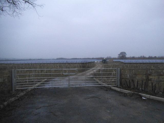 Solar panel farm by Leighton Road, Eggington