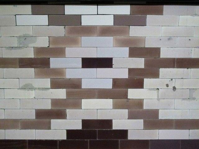 Caledonian Road tube station - ceramic tiles (2)