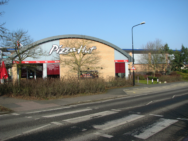 Pizza Hut In Alex Moorhouse Way Evelyn Simak Cc By Sa20