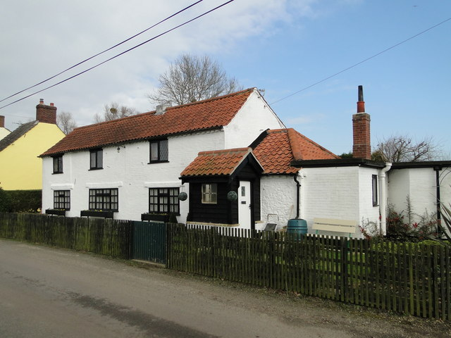 The former 'Dun Cow' public house at Aldeby
