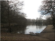 TQ2272 : Queen's Mere, Wimbledon Common by John Slater