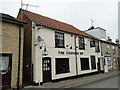 TM3863 : 'The Cooper's Dip' public house, Saxmundham by Adrian S Pye