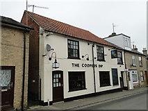 TM3863 : 'The Cooper's Dip' public house, Saxmundham by Adrian S Pye