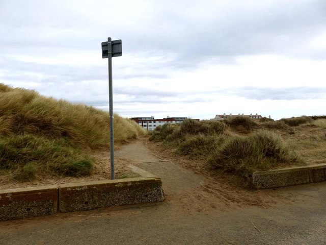 This path from the prom goes to Blundellsands rail station