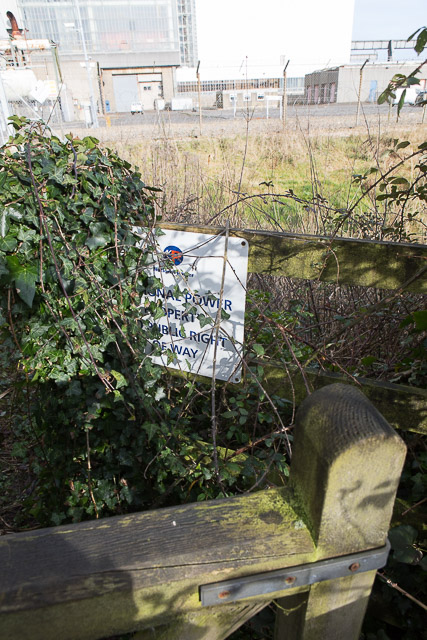 Footpath ends at boundary of Fawley Power Station