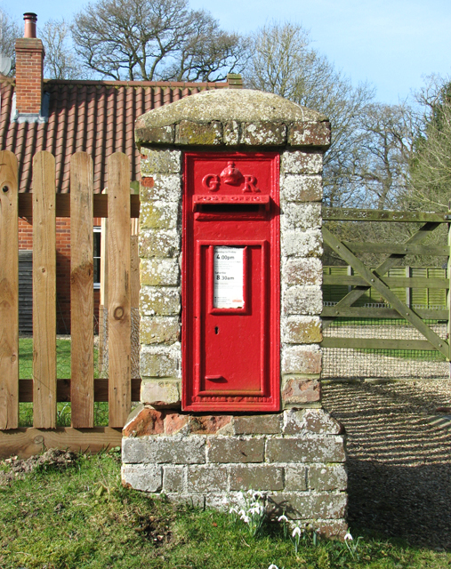 Royal Mail postbox on Dunston Common