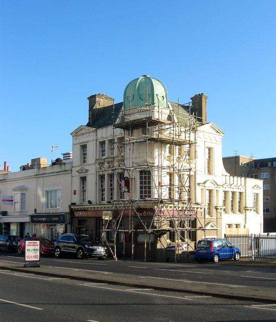 The Alibi, Victoria Terrace, Kingsway, Hove