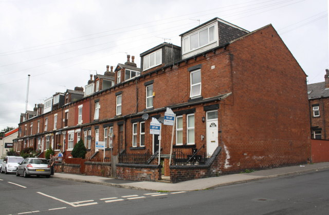 Salisbury Avenue houses at Armley Lodge Road junction
