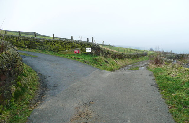 Junction of the Calderdale Way with High House Lane, Midgley