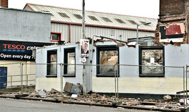 """The """"Stormont Inn"""" (demolition), Belfast - February 2017(4)"""