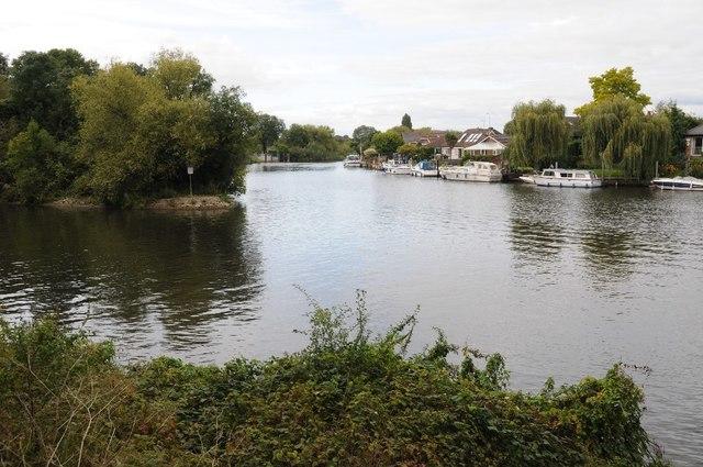Desborough Cut and River Thames