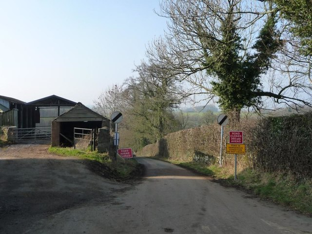 Welltree Brow closed ahead in King's Meaburn