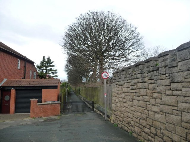 Footpath from Harton House Road to St George's Avenue