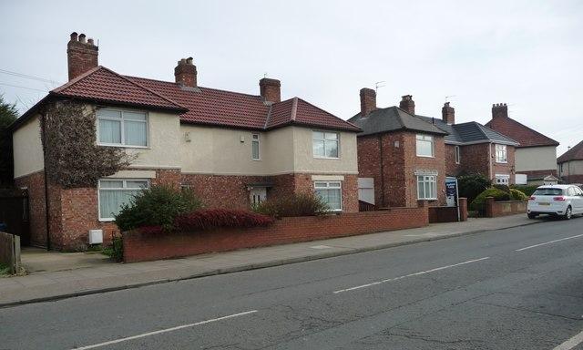 Houses on the east side of Sunderland Road