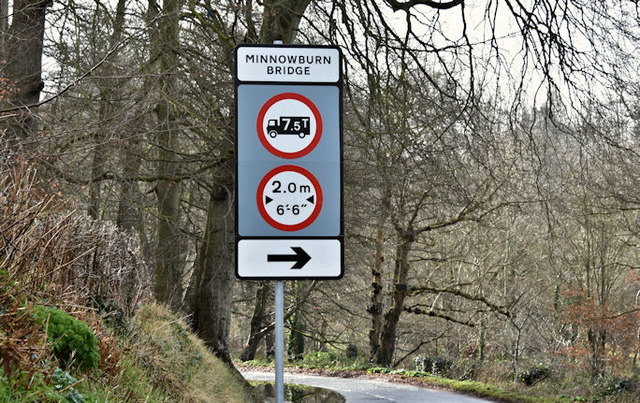 Weight and width restriction sign, Minnowburn, Belfast (March 2017)