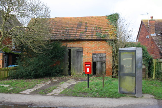 Outbuilding to right of #9 Buckingham Road