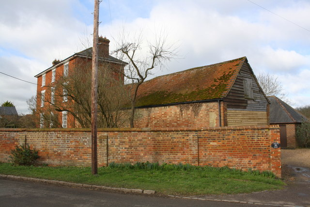 'Lower End House' and outbuilding, Winslow Road