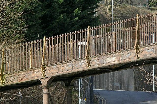 Footbridge over the Hebble Brook valley