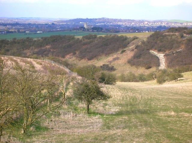 Coombe Bottom from the slopes of Ivinghoe Beacon