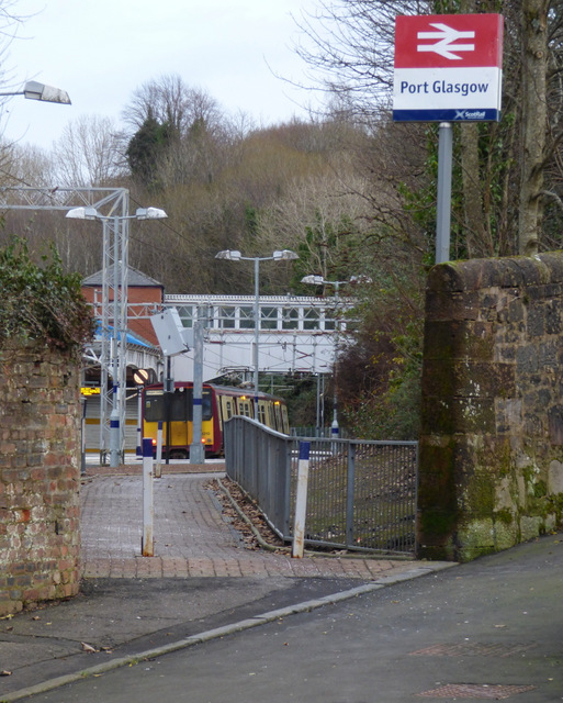 Highholm Avenue entrance to Port Glasgow railway station