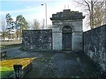 NS3975 : Dumbarton Prison: entrance portico by Lairich Rig