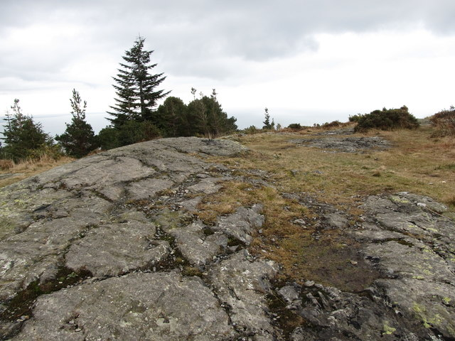 Exposed Silurian rocks on the summit of Drinnahilly