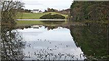 NH6750 : Loch Lundie and Pitlundie by Julian Paren
