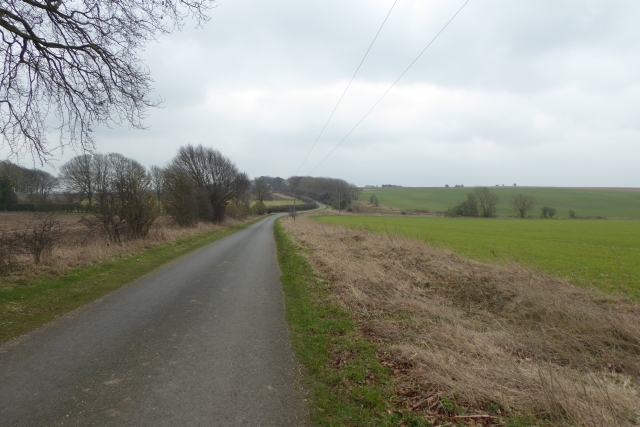 Road leading to West Lutton
