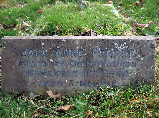 A wartime tragedy, and the death of baby Jane - a Bournemouth (East) Cemetery grave (2)