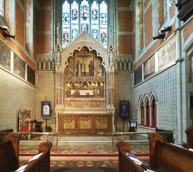 Holy Trinity, Ponsonby Road, Roehampton - Sanctuary