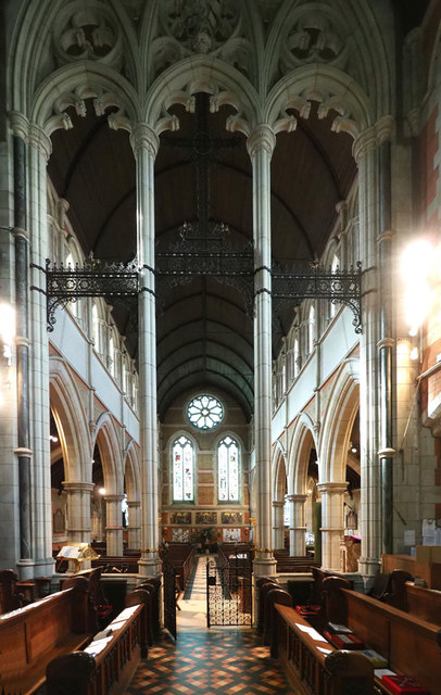 Holy Trinity, Ponsonby Road, Roehampton - West end
