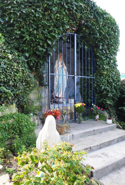 St Joseph, Roehampton Lane, Roehampton, SW15 - Shrine