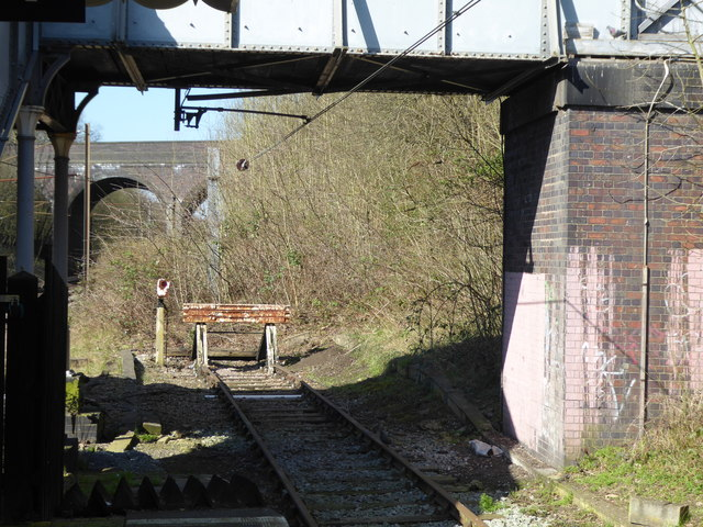 End of the siding at Gordon Hill station
