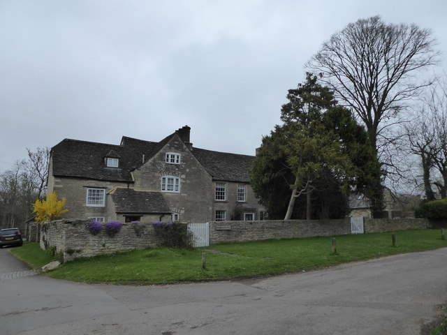 Manor House and Manor Cottage, Cheney Manor Road