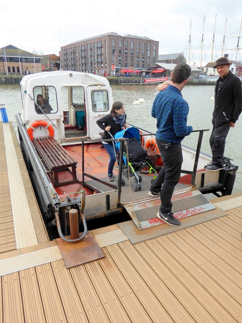 Cross-harbour ferry at Hannover Quay