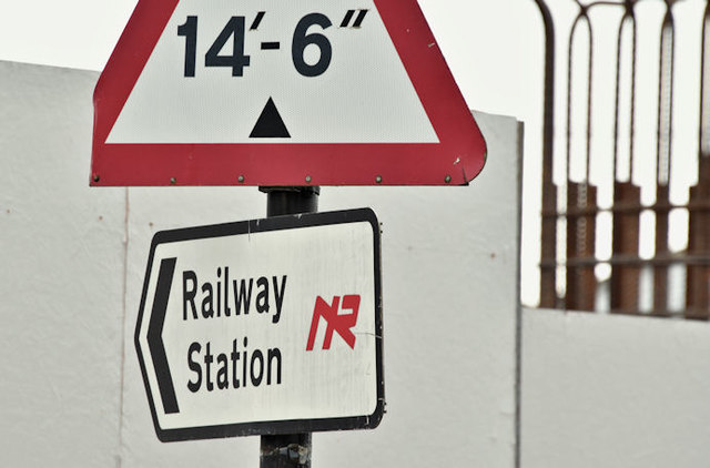 """""""Railway station"""" sign, Holywood (March 2017)"""