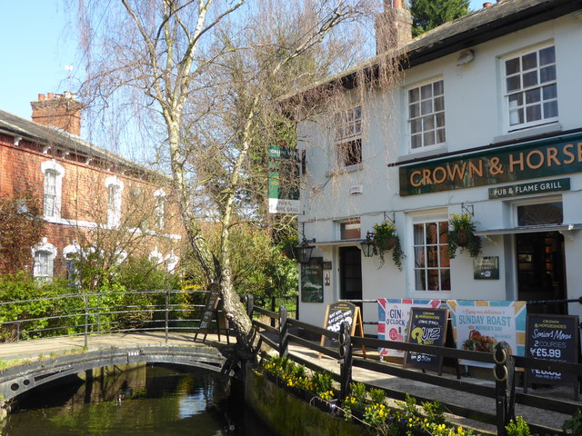 The Crown & Horses and New River in Enfield