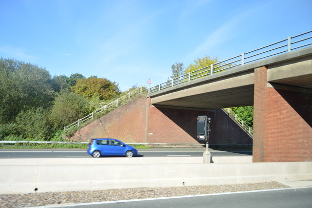 Overbridge, M5